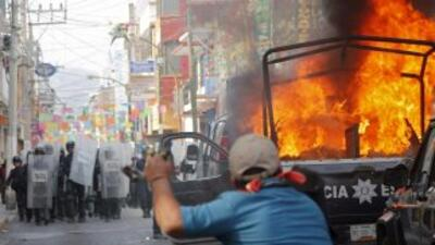Una violenta protesta realizada en Chilpancingo, Guerrero, al sur de Méx...