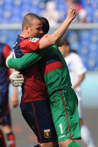 Finalmente, con un gran segundo tiempo el Génova goleó 3-0 a un débil Br...