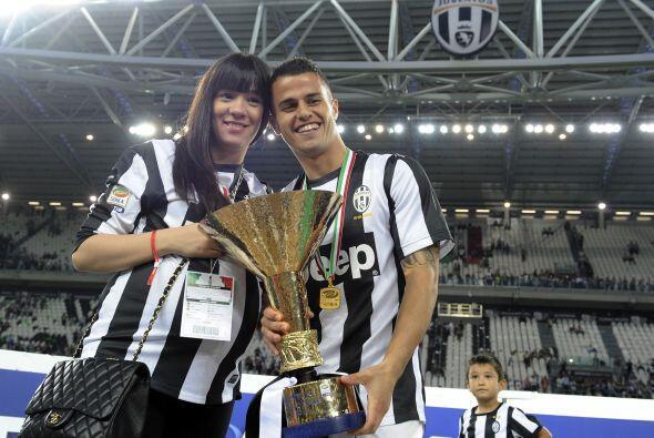 Sebastian Giovinco con su novia.