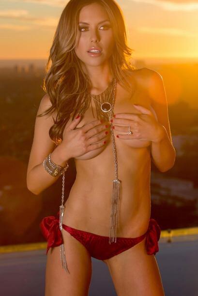 Es considerada una de las mujeres más bellas y espectaculares del mundo,...