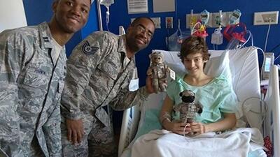Esta fotografía del joven Hunter Brady, que enfrenta un cáncer linfático...