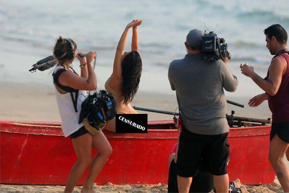 Pero durante sus exóticas vacaciones Kim nos deleitó con otros bikinazos...