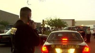 Alguaciles del condado maricopa en un operativo del sheriff Arpaio
