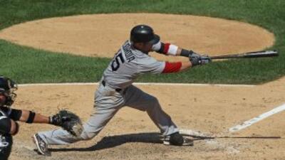 Dustin Pedroia sigue enrachado con el bat, y colaboró con la victoria de...