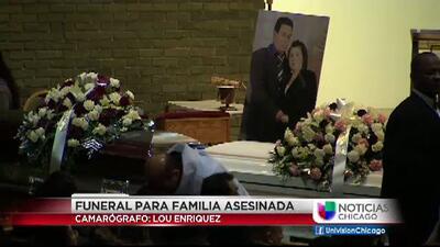 Familiares dan el último adiós a familia asesinada en Gage Park