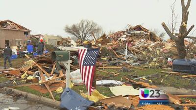 Tornado en Garland, Texas un día después de navidad