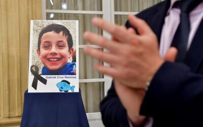 Retrato del niño Gabriel Cruz colocado en el patio de la diputaci...