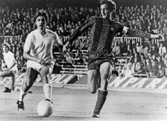Johan Cruyff tuvo un debut brillante con el Barcelona en el el triunfo p...