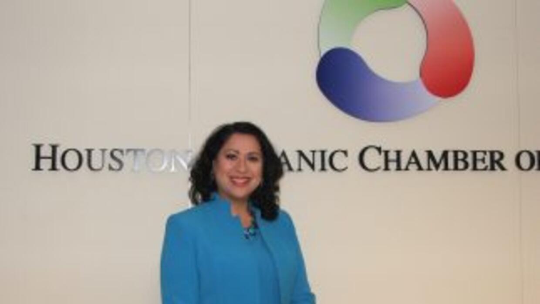 La Dra. Laura Murillo es la presidenta de la Cámara de Comercio Hispana...