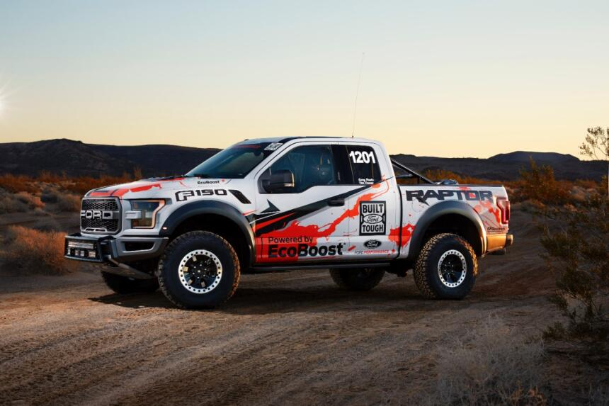 "Ford F-150 Raptor 2017 llega a ""Best in the Desert"" Hero-09-C1.jpg"