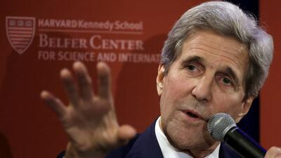 Ex secretatio de de Estado John Kerry en la Escuela Kennedy de Gobierno...