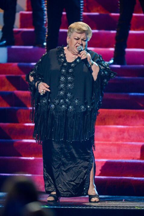 Entre lágrimas Paquita interpretó sus grandes éxitos en Premio Lo Nuestr...