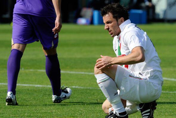 ¿Alessandro Del Piero ya es víctima de la edad o ya son las reumas?