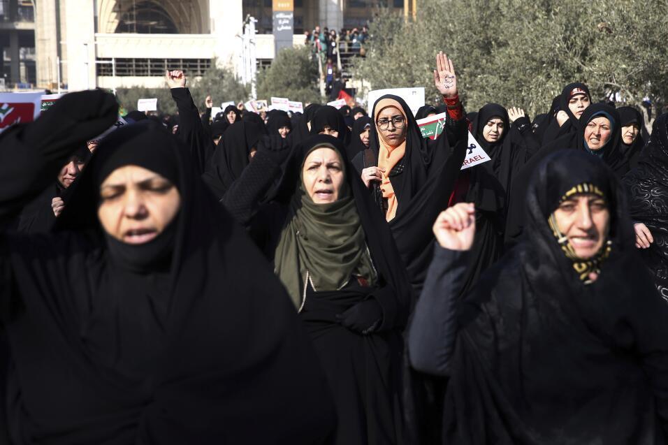 Al menos diez fallecidos dejan las protestas en Irán por la mala situaci...