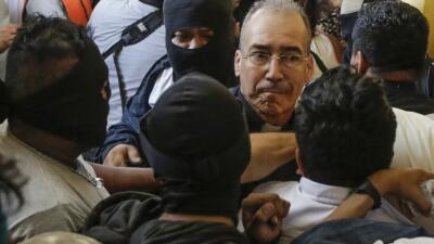 Turbas del gobierno de Ortega arremeten contra la iglesia católica y hieren a un obispo