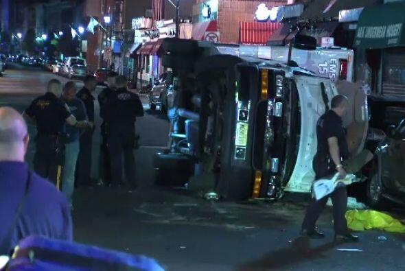 Una ambulancia se volcó la madrugada del lunes en Union City prov...
