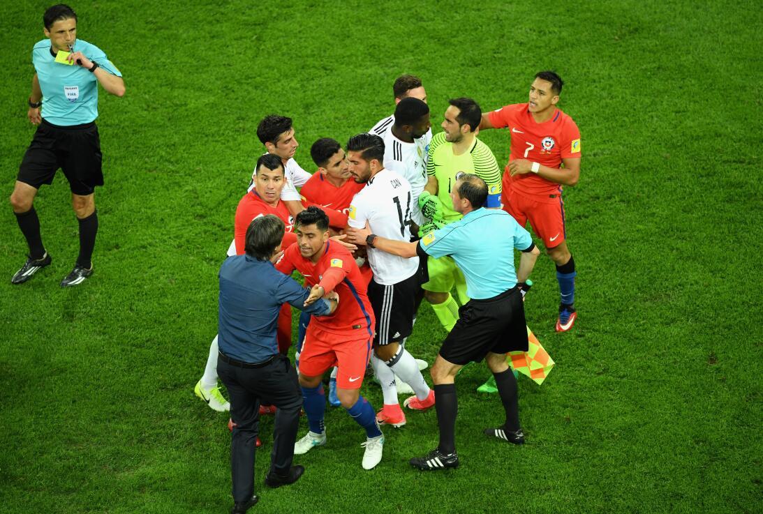 Análisis: Alemania y Chile inventan el micro-fútbol 26.jpg