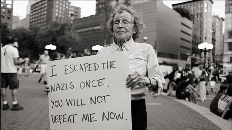 Fotografía de la abuela de 89 años, Marianne Rubin, tomada...