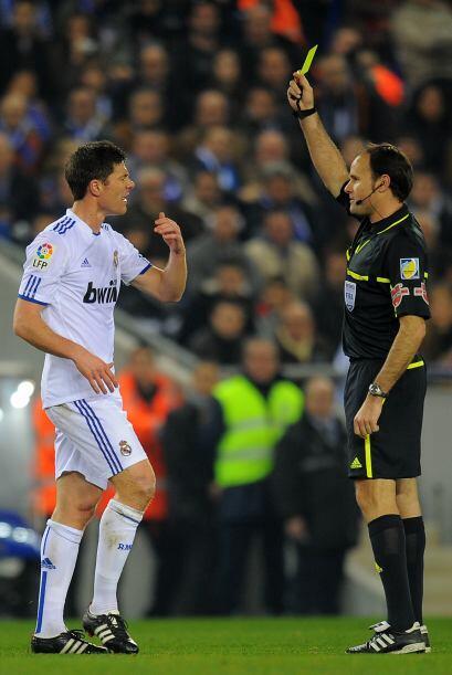 El Real Madrid se acercó a 5 puntos del Barcelona con la victoria 1-0 an...