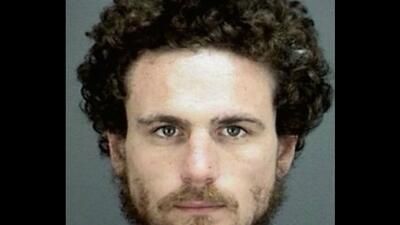 Un hombre fue arrestado tras intentar pagar $600 de impuestos con 600 bi...