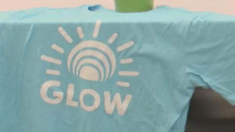 Global GLOW, el programa que ayuda a jovencitas en Orange a controlar la...