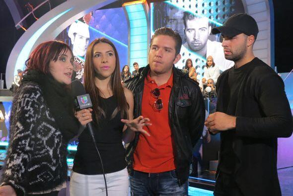 Dulce, Dasa y Jencarlos hablando con nuestra súper reportera backstage,...