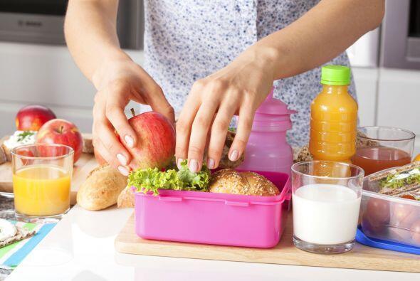 Uno de cada tres niños en EE.UU. sufre de sobrepeso, debido, en parte, a...