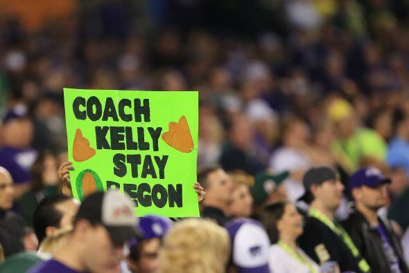 Oregon venció 35-17 a la Universidad Estatal de Kansas en la edic...