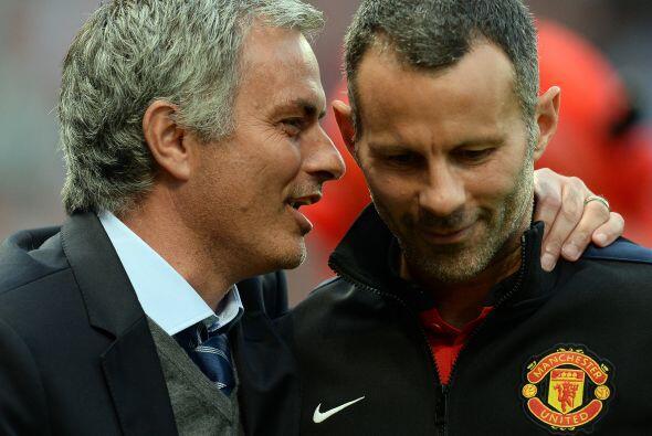 El entrenador José Mourinho, amigo de Ferguson y de vuelta técnico de lo...