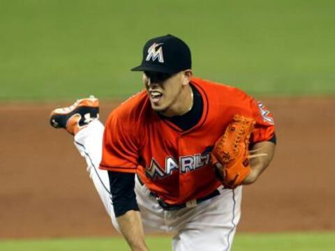 El pitcher de los Miami Marlins,  José Fernández, se rob&o...