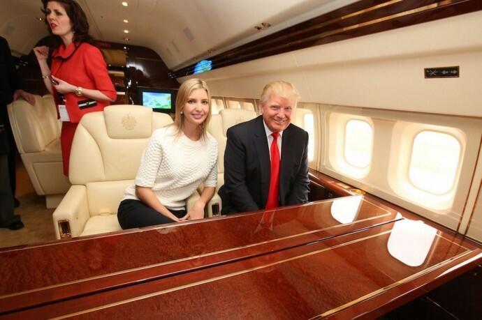 El Boeing 757 de Donald Trump tiene baños de mármol y varias habitacione...