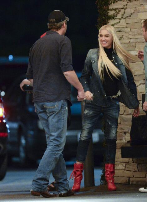 Gwen y Blake en pleno beso