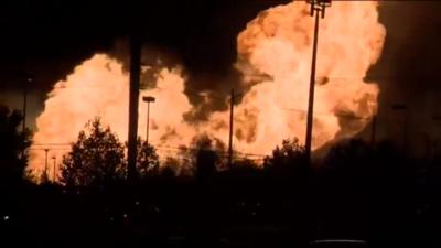 Incendio en Oakland, Michigan.