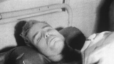 📷 Piloto, prisionero de guerra, candidato presidencial, senador: la agitada vida de John McCain