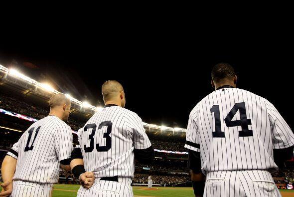 El Yankee Stadium enmudeció y se vació antes del término del duelo.