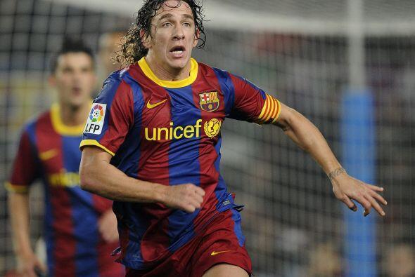 Carles Puyol: El equipo lo nota, y mucho, cuando no está. Una tendinitis...