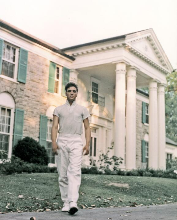 Elvis en su mansion de Memphins