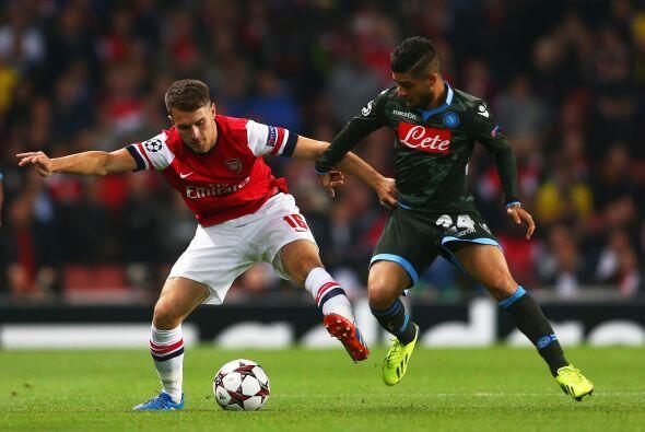 Otro equipo inglés, el Arsenal, recibió al Nápoli italiano.