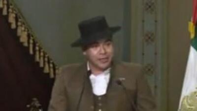 El diputado del congreso local de Guanajuato llegó en una ocasión vestid...