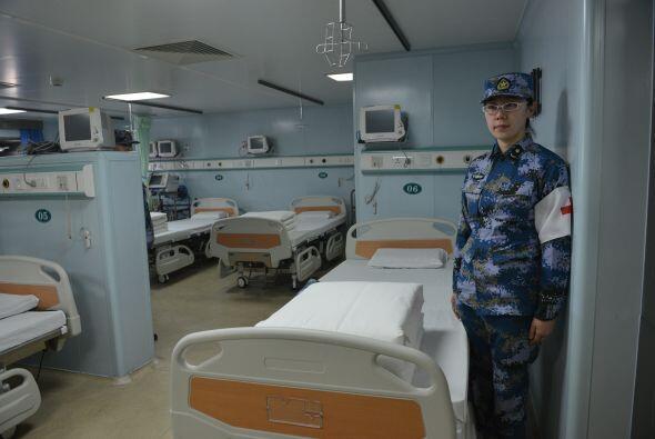 El barco, con 300 camas para pacientes y capaz de atender 40 intervencio...