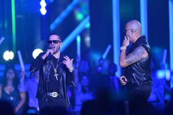 Además de esta nominación, su canción  'Algo Me Gusta de Ti' podría conv...