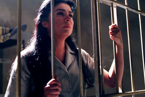 María era una mujer dulce y noble; la prisión la llenó de rencor y amarg...