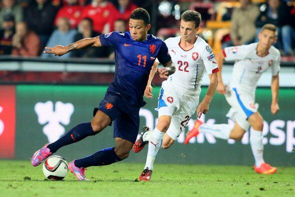 La Oranje necesita ganar pues en su debut se vio sorprendida al caer 2-1...