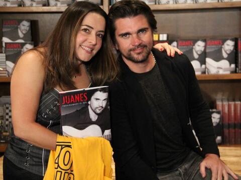 Acompañamos al cantante Juanes en el lanzamiento de su libro &quo...