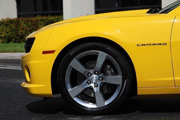 Con esta potencia el Camaro puede acelerar de 0 a 60 millas por hora en...