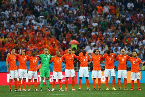 Holanda marcha en el tercer lugar del Grupo A de las eliminatorias europ...