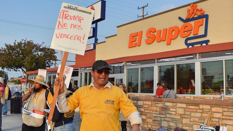 El apoyo a Trump de un vicepresidente de El Super generó la protesta.