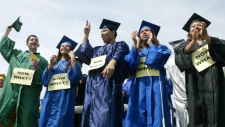 El Dream Act sigue siendo una luz de esperanza para miles de estudiantes...