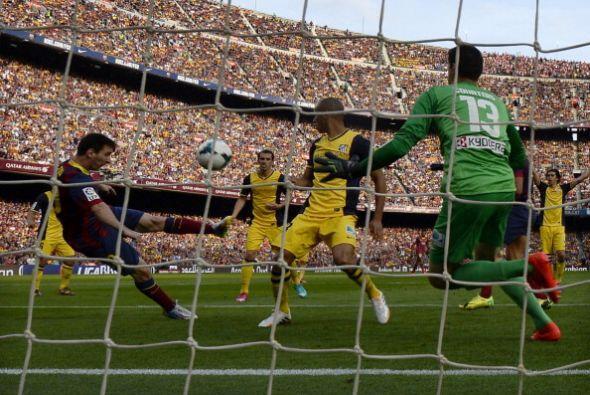 Este disparo de Messi terminó en las redes pero fue anulado por fuera de...