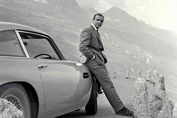 El actor, de origen escocés, protagonizó siete películas como el famoso...